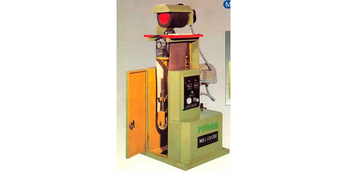 Lijadora para piezas planas y curvas Maquinaria a la venta para el tratado y procesado de madera de fabricación propia en Valencia España